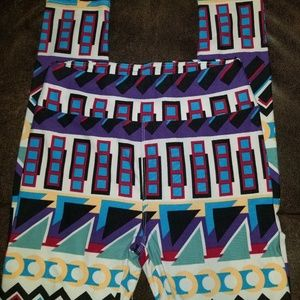 NWOT! Lularoe Leggings OS